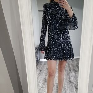 H&M Dresses - H&M long sleeve ruffle flower everyday dress